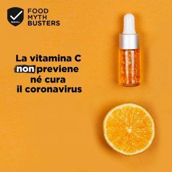 La vitamina C non previene né cura il coronavirus