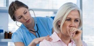 dottoressa visita paziente tosse
