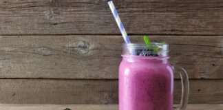 smoothie more bicchiere cannuccia